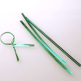 "6"" x 5/32"" Green Metallic Plastic Twist Tie (1000 pack) [TT6MGR]"